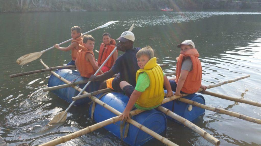 holiday-raft2