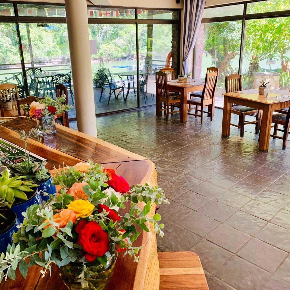 Areena-Riverside-Resort-Restaurant-7