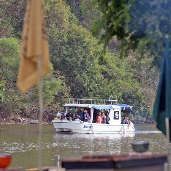 Areena-Riverside-Resort-River-Cruise-29
